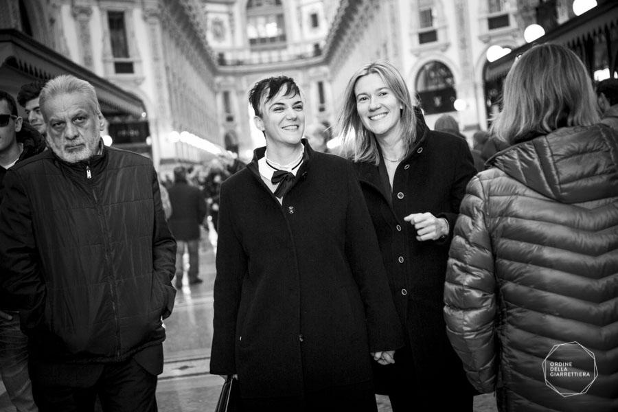 Spose per mano in Galleria Vittorio Emanuele